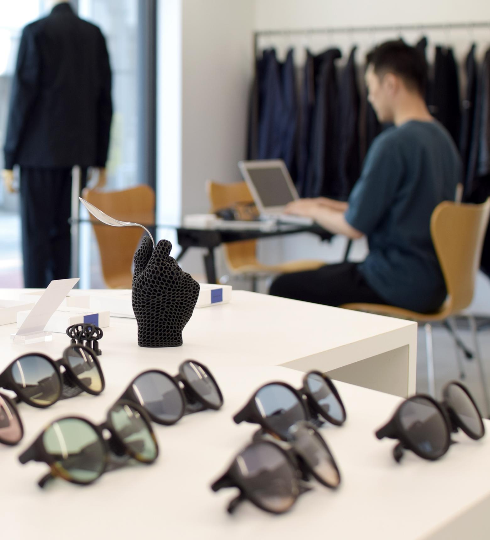 J Eyewear Lab × MINOTAUR INST.「ファーストペンギンとして先進的な取り組みを」
